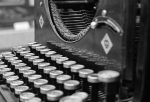 typewriter-923261_1280
