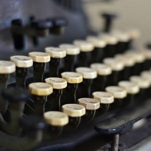 typewriter-863635_960_720