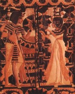 Tutanchamon otrzymuje kwiaty od Ankhesenamun
