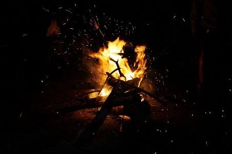 campfire-1211654_960_720